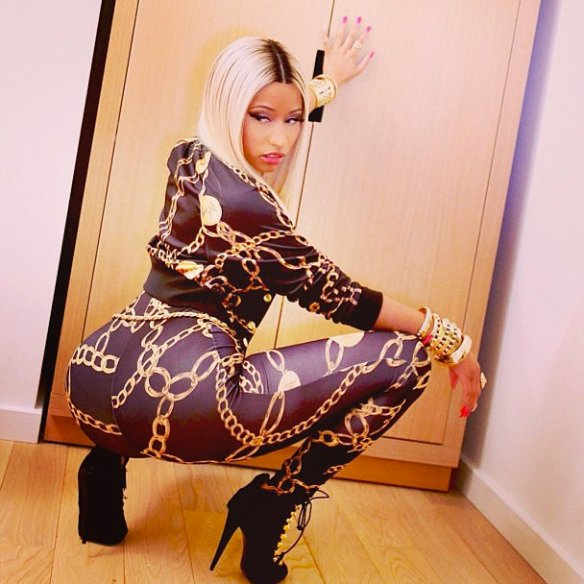 "Nicki Minaj says ""I'm coming for youuuuu..."""